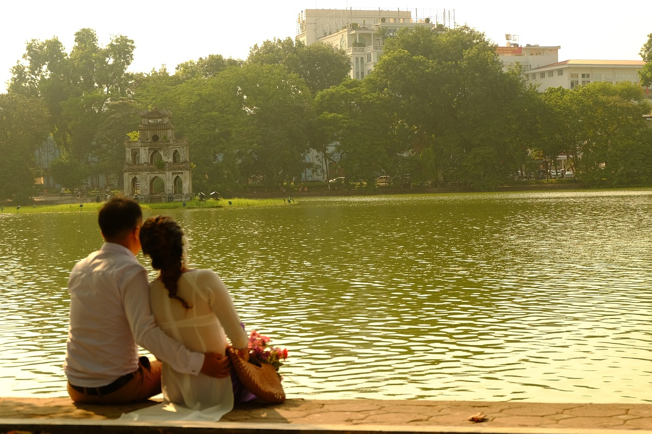 Couple at Hanoi Lake