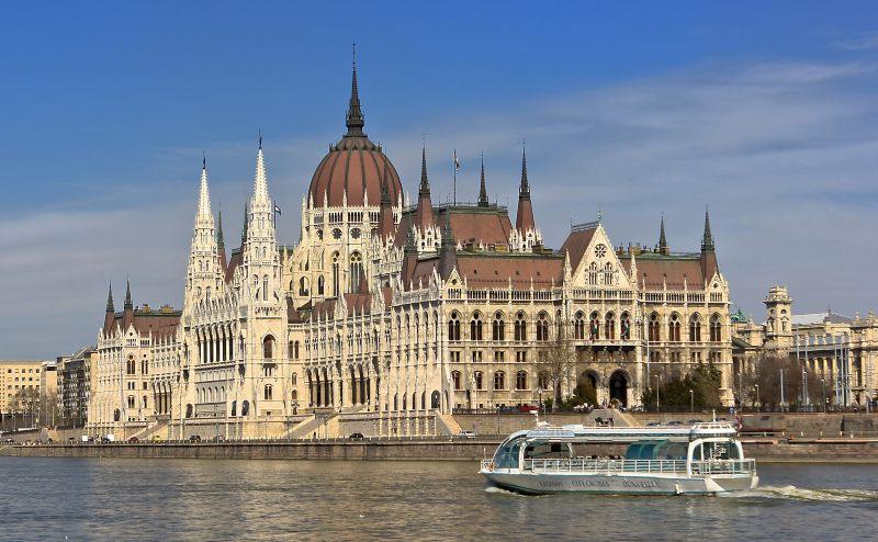 Damube River cruise Budapest